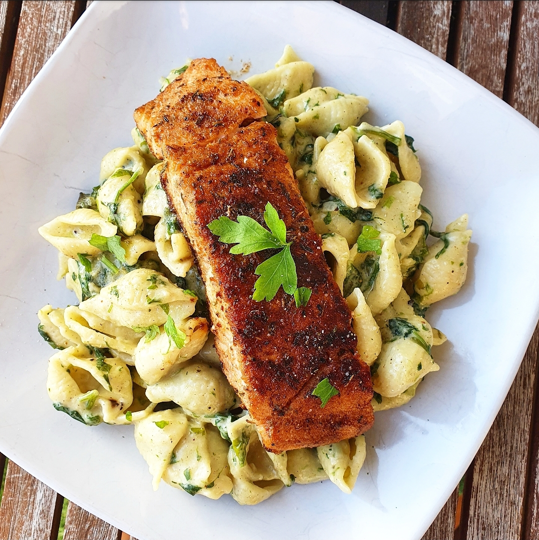 Creamy spinach pasta shells with pan grilled Salmon