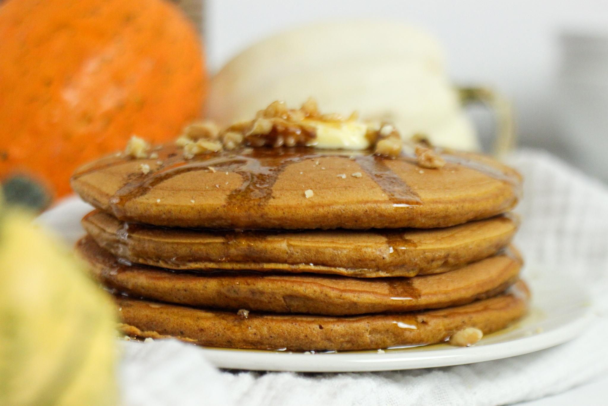 The Best Rich & Fluffy Pumpkin Spice Pancakes