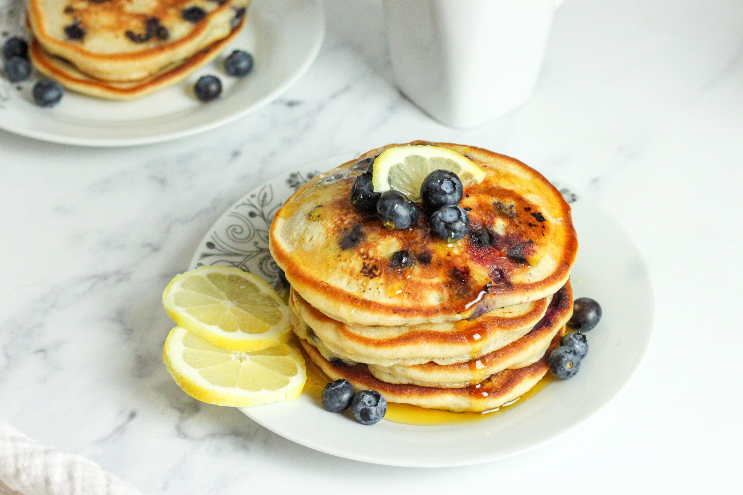 lemon blueberry fluffy pancakes
