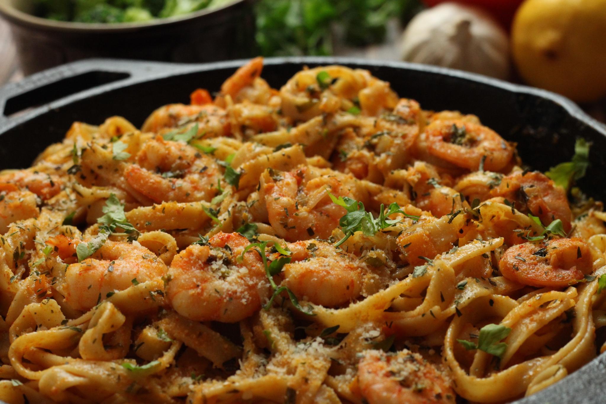 A Quick and Easy Smoked Garlic Shrimp Pasta